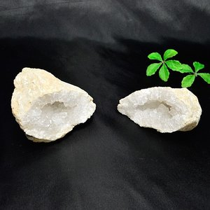 現品限り モロッコ産 ペア水晶 置物 パワーストーン 天然石 ゆうパケット不可|ccr