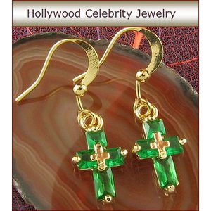 ピアス エメラルド グリーン クロス 十字架 18金 揺れる ピアス|ハリウッド セレブ コレクション|celeb-cz-jewelry