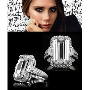 リング ダイヤモンド カクテルリング エメラルドカット ヴィクトリア ベッカム コレクション バニティフェア 雑誌掲載|celeb-cz-jewelry