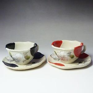 美濃焼黒椿赤椿ペアコーヒーカップ&ソーサーセット(珈琲、紅茶等)(メッセージカードサービスあり)|chagokorochaya
