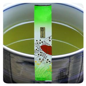●当店の高級かぶせ茶(松)は、三重県でもかぶせ茶の名産地として知られる三重県最北部の山間地で作られ、...