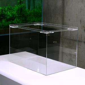 ※アクリル水槽は素材の特性上、水を張った際に水圧によりたわみが出ます。予めご了承ください。 ガラスよ...