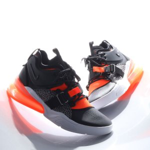 NIKE AIR FORCE 270 (BLACK/HYPER CRIMSON-WOLF GREY-WHITE) 18SP-S