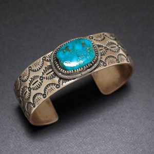 インディアンジュエリー  ブルー ジェム ターコイズ  Blue Gem ワイド バングル ナバホ L. JAMES  Silver|charger