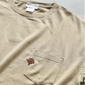 CHARGER Tシャツ ワンポイント 刺繍 Tシャツ ぐるチョコくん  EMB TEE ベージュ BEIGE 2020秋冬新作 charger