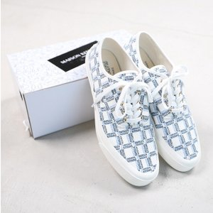 SALE 40%OFF メゾンキツネ スニーカー MAISON KITSUNE ホワイト ALL-OVER RECTANGLE LACED CANVAS SNEAKER WHITE 2019発夏新作|charger