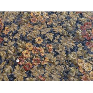 花柄(YUWA) 控えめな印象のネイビー系ジャカードキルティング生地です。 キルティングのためふっく...