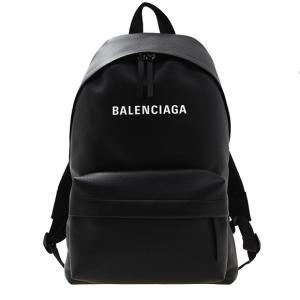 【EVERYDAY BACK PACK】大きめにプリントされたブランドロゴが目を惹くバックパック。上...