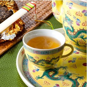茉莉花が直接中国のメーカーを訪問して見つけた逸品の黄茶です。 君山島で採れる物だけが黄茶と呼ばれるお...