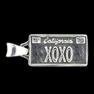 TRAVIS WALKER/DOUBLE CROSS(トラヴィスワーカー/ダブルクロス):License Plate Pendant/XOXO/Small(ライセンスプレートペンダント/XOXO/スモール)|chrono925