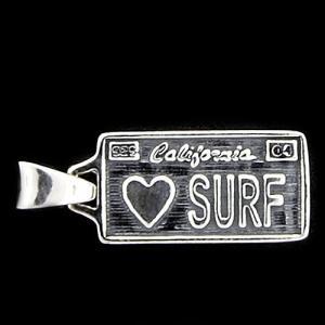 TRAVIS WALKER(トラヴィスワーカー/ダブルクロス):License Plate Pendant/LOVE SURF/Medium(ライセンスプレートペンダント/ラブサーフ/ミディアム)|chrono925