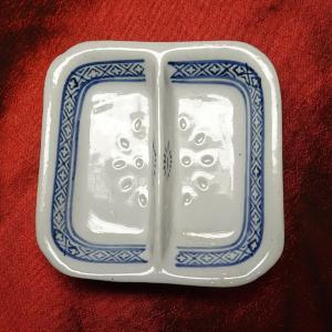 景徳鎮ホタル 2種薬味角皿 8.5cm|chuukanotobira