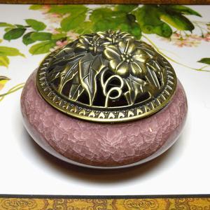 【今ならお楽しみ練り香付き!】香炉 桃(蓋付き コーン型用 渦巻き型用)|chuukanotobira