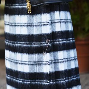 O'NEIL OF DUBLIN【オニールオブダブリン】バックプリーツスカート EASY LONG KILT 5083 BEWB ウール アクリル ホワイト ブラック|cinqessentiel|06