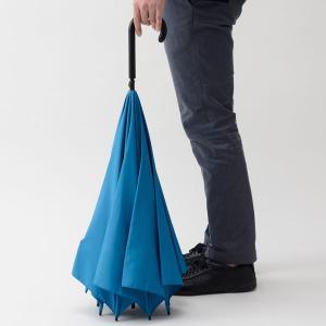 雨の日も快適に これからの季節に活躍する高機能傘