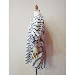イタリア製 ストライプ柄サテン地プルオーバービッグシャツ レディース ホワイト 白 オーバーシャツ 9号 11号 ゆったり リラックス 通販 classica 04