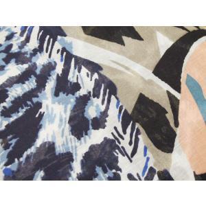 イタリア 幾何学×レオパード柄ストール レディース 大判 女性用 アニマル ショール 通販 おしゃれ ブルー 青 派手 プレゼント|classica|05
