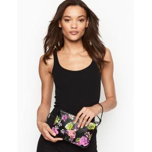 ■商品説明 可愛い花柄のリストレットポーチになります。  大きめなのでポーチとしては沢山入りそう♪ ...