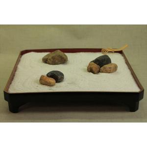 禅の箱庭(Zen Garden)でリラックス1〜枯山水の砂紋を描こう〜漆塗り膳+自然石+白砂+ミニ熊手のセット『ZenTei#001』|clips-yj