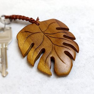 木製キーホルダー モンステラ  ホテル キーホルダー ルームキー 客室用 旅館 プルメリア 大人 女性 ハワイアン雑貨 バリ雑貨  メール便対応可|cocobari