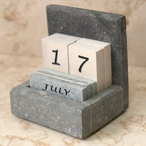 卓上カレンダー(ストーン)   アジアン雑貨 バリ おしゃれ 石 リゾート 万年カレンダー バリ雑貨 バリ風 インテリア|cocobari