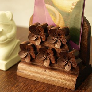 木製スタンド(プルメリア)B   アジアン バリ 木製 パンフレットラック 置き 卓上 カタログ立て バリ雑貨 バリ風 インテリア cocobari