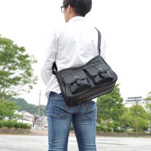 ショルダーバッグ メンズ レディース 斜めがけ A4 大きめ ソフト 軽い 40代 横型 大容量 マチ広 カジュアル 通勤 旅行 黒|coconoco