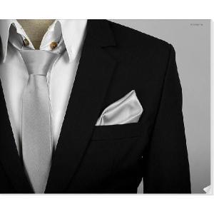 穏やかな光沢のポケットチーフ サテン生地 ソリッド シルバー!  PC04 |coconoco