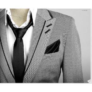 穏やかな光沢のポケットチーフ サテン生地 ソリッド ブラック!  PC07 |coconoco