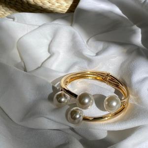 アクセサリー メ0 パール バングル ブレスレット アクセ レディース 結婚式 パーティー 腕輪 送料無料|cocorocreation