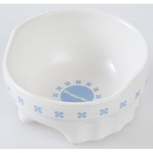 白さが際立つ半磁器製の食器。 重量感があり安定している。 後部が高くなっていて、フードのこぼれを防ぎ...