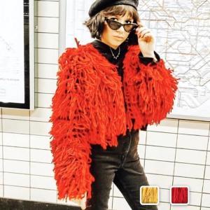 毛足の長いフリンジを使用したボリュームたっぷりのフリンジカーデ!!カジュアルなセーターコーデもポップ...