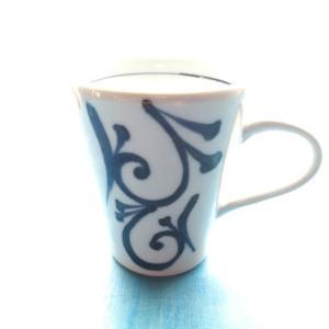 砥部焼 マグカップ 二方縦唐草 (L) coffeemeetsbagels