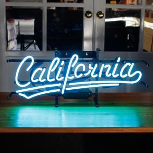 アメリカンネオンサイン California (ブルーネオン) 縦27×横65cm カリフォルニア ガレージ インテリア ネオン管 電飾 店舗装飾 アメリカ雑貨 アメリカン雑貨 colour