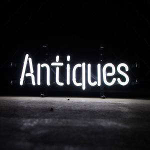 アメリカンネオンサイン Antiques アンティーク (ホワイトネオン) 縦20×横47cm レトロインテリア ガレージ 西海岸 インテリア ネオン管 店舗装飾 アメリカ雑貨|colour
