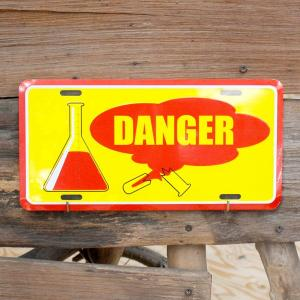 CMプレート / DANGER Flask (YE/RD) /看板/アメリカン雑貨/ colour