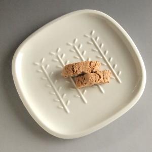 深山 パン皿 プレート レリーフ アンティーク調 クラッシックスタイル カフェ風食器 小枝柄|comfy-shop
