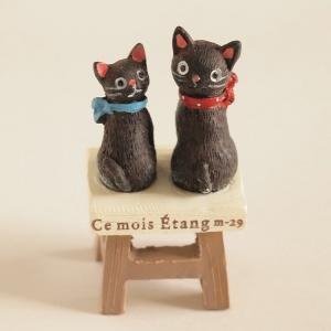 デスクトップオーナメント ツインブラックキャットチェア 猫 マスコット ミニチュア|comfy-shop