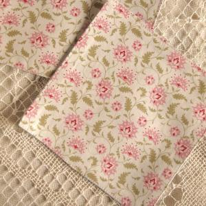 キッチン雑貨 小花 ピンク コースター ハンドメイド 2枚組|comfy-shop
