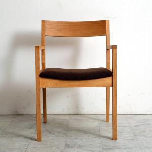 ダイニングチェア mukai 肘付き 椅子 木製 オーク アルダー 国産 日本製  (北欧 ミッドセンチュリー) カフェ|commode-house