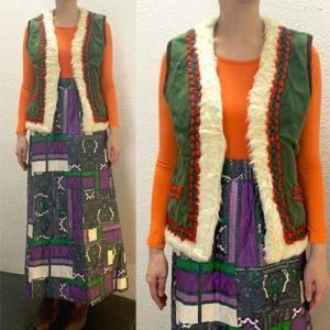 S〜XLサイズ【アメリカ製古着】1960年代ヴィンテージ◆モスグリーンに赤と緑のトリミング◆リバーシブル◆ベスト【中古】|cool-klothes