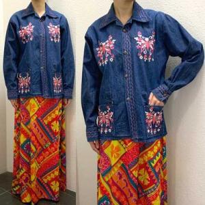 S〜Lサイズ【アメリカ製古着】1960年代ヴィンテージ◆ピンクの蝶刺繍◆デニムジャケット【中古】|cool-klothes