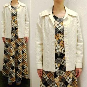 S〜Lサイズ【アメリカ製古着】1960年代ヴィンテージ◆オフホワイト◆アイレッド刺繍◆ジャケット【中古】|cool-klothes