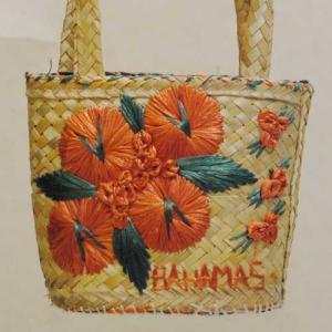 27×20【アメリカ製古着】ヴィンテージ◆オレンジお花に「BAHAMAS」の刺繍◆かごバッグ【中古】|cool-klothes