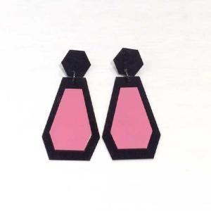 【オリジナルセレクト商品】ブラック×ピンクのゆれるダイヤモチーフ◆ピアス|cool-klothes