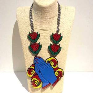 【オリジナルセレクト商品】バラのお花と祈りの手モチーフ◆個性派◆ネックレス|cool-klothes
