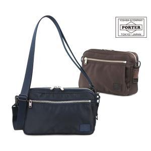 程よいサイズ感で日常使いから旅行のサブバッグ等、幅広い用途に使えるショルダーバッグ。サイズ以上のスペ...
