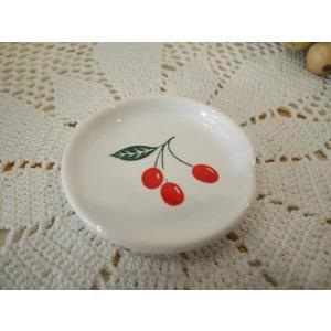 【マニー チェリー】 スプーンレスト / 日本製 箸置き さくらんぼ 陶器 corrette-anise