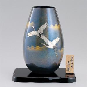 真鍮製花瓶 秀麗 彫金翔鶴 平板8号付|craft-crowd