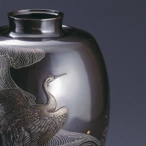 青銅製象嵌入花瓶 波鶴(なみつる) 木製なでしこ花台(12号)付|craft-crowd